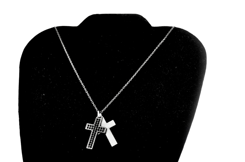 NEW EMPORIO ARMANI DOUBLE CROSS NECKLACE 2010 EG2720